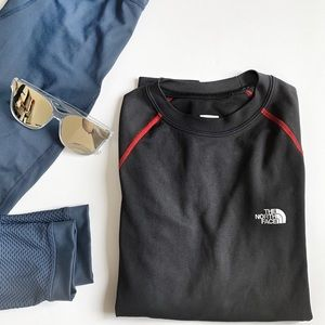 THE NORTH FACE- Flight Series long sleeve heat top